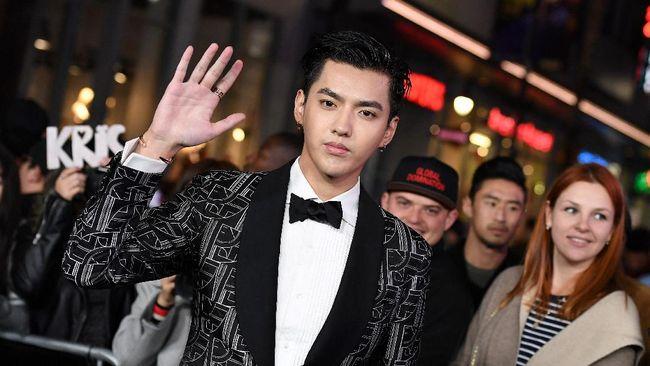 Kris Wu ditahan kepolisisan China karena diduga lakukan tindak pemerkosaan.