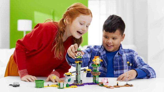 Sejak 1983, kemunculan Luigi sebagai saudara Mario Bros memang memberikan warna tersendiri. Luigi kini bergabung dengan Mario dalam bentuk Lego berteknologi.