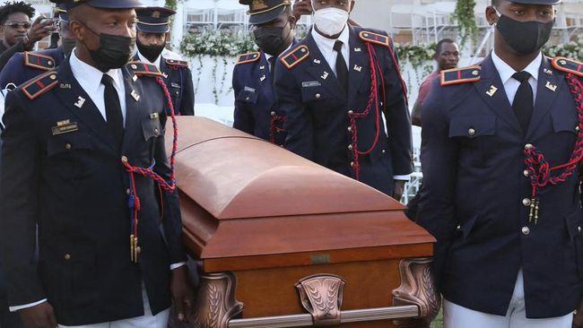 Presiden Haiti yang tewas dibunuh, Jovenel Moise, dimakamkan di Kota Cap-Haitien pada hari ini, Jumat (23/7).