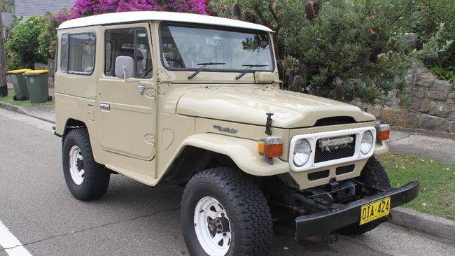 Masyarakat Indonesia pada era 1980 hingga awal 2000 pasti tak asing dengan mobil jip Toyota yang biasa dikenal sebagai hardtop.