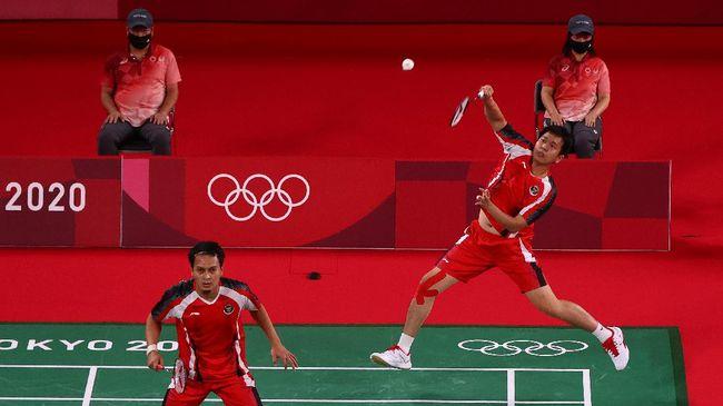 Mohammad Ahsan/Hendra Setiawan berhasil mengalahkan Jason Anthony Ho-Shue/Nyl Yakura dari Kanada di Olimpiade Tokyo 2020.