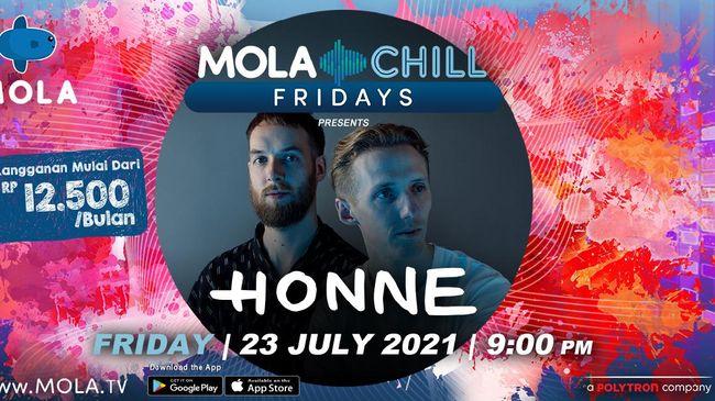 Ketika Vira Talisa mendendangkan alunan hangat jazz, Honne menyajikan penampilan yang intim dengan banyak tawa dalam Mola Chill Fridays.