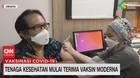 VIDEO: Tenaga Kesehatan Mulai Terima Vaksin Moderna