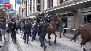 VIDEO: Tolak Lockdown Sydney, Warga Bentrok dengan Polisi