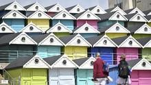 FOTO: Harga Fantastis Pondok Warna-Warni di Pantai Inggris
