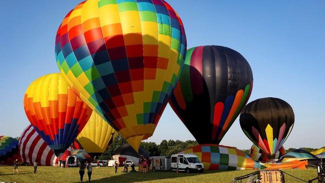 FOTO: Saat Balon-balon Udara Terbang di Langit New Jersey