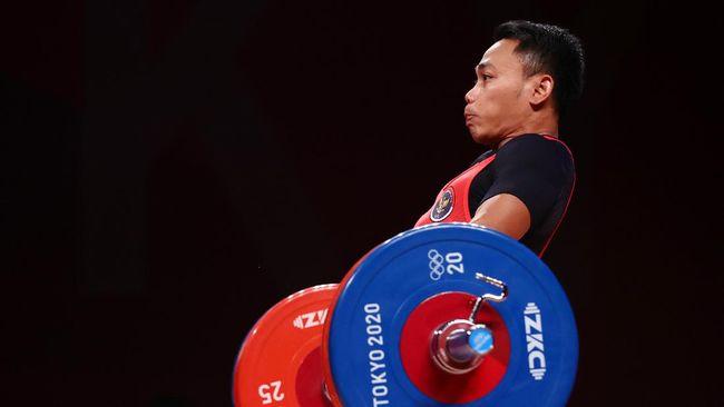 Indonesia mengakhiri hari kedua Olimpiade Tokyo 2020 dengan tetap menduduki posisi ke-19 lewat tambahan satu medali perak.
