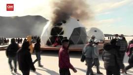 VIDEO: Warga Bakar Resor Mewah di Salar de Uyuni