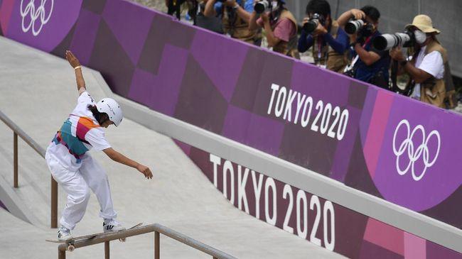 Momiji Nishiya mencetak rekor atlet termuda asal Jepang yang sukses meraih medali emas di ajang Olimpiade modern.