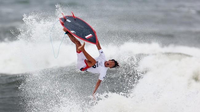 Rio Waida Terhenti di 16 Besar Selancar Olimpiade Tokyo