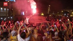 VIDEO: PM Tunisia Dipecat, Demonstran Berpesta