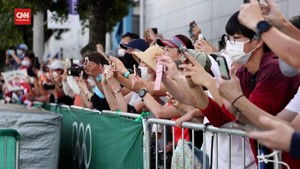 VIDEO: Penonton Tetap Saksikan Olimpiade Meski Dilarang