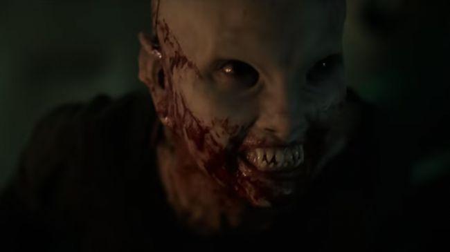 Layanan streaming berbayar Netflix kembali mengusung tema horor dalam film baru berjudul Blood Red Sky.