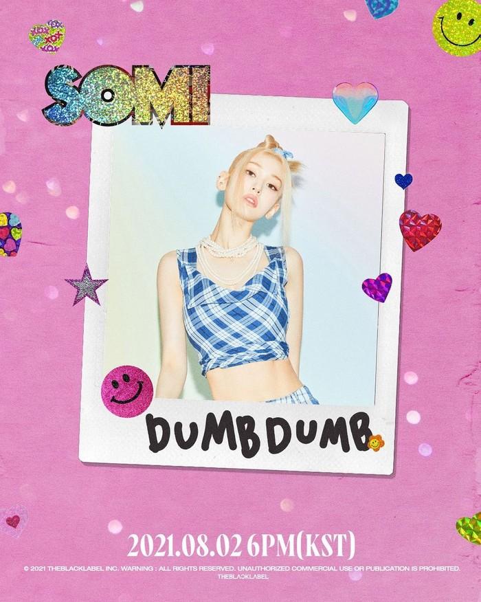 Dalam salah satu teaser yang didominasi warna ungu ini, Somi memamerkan tubuh langsingnya. Dalam unggahan Instagram Story-nya baru-baru ini terungkap bahwa jelang comeback, ia memiliki tinggi 172 cm dan berat badan 46,6 kg. /Foto: Instagram/somsomi0309