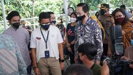 Menteri Sandiaga Dukung Vaksinasi Pejuang Digital