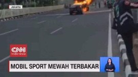 VIDEO: Mobil Sport Mewah Terbakar Hebat