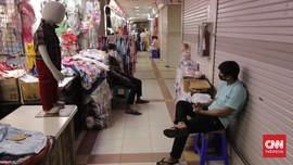 FOTO: Saat Kartu Vaksin Jadi Syarat Masuk Pasar Tanah Abang