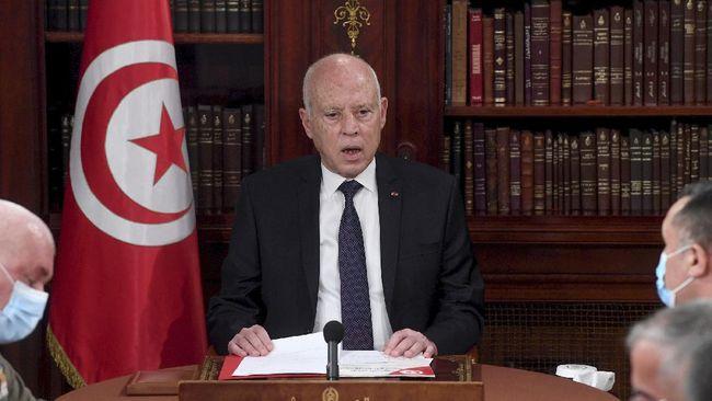 Presiden Tunisia Kais Saied mengumumkan rencana mengamendemen konstitusi serta membentuk pemerintahan baru.