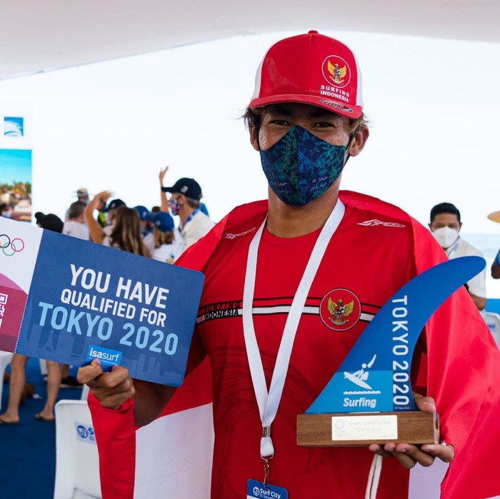 Rio juga tidak ketinggalan berpartisipasi di ajang International Surfing Association (ISA), World Surfing Games (2019). Melalui ajang tersebut, ia berhasil masuk kualifikasi untuk mengikuti Olimpiade Tokyo 2020. (foto: Instagram.com/@riowaida_)