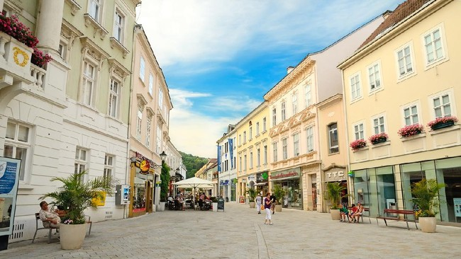 >7 Kota Spa di Eropa, Destinasi Berendam Para Bangsawan