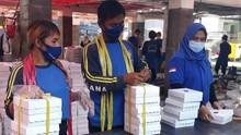Kemensos dan CT Arsa Donasi Paket Makanan untuk Nakes