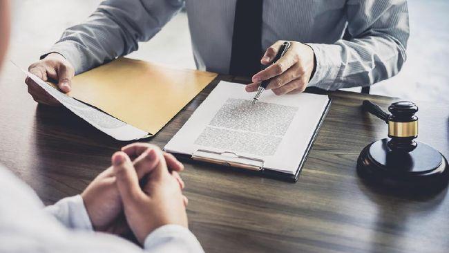 Surat kuasa merupakan dokumen legal yang berisi limpahan kuasa kepada pihak tertentu yang dipercayakan. Berikut contoh surat kuasa tanah dan cara mengurusnya.