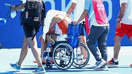 Cuaca Ekstrem Olimpiade, Petenis Digiring dengan Kursi Roda