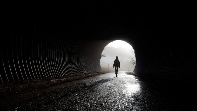 Jeritan sampai tangisan arwah kabarnya sering terdengar dari salah satu terowongan kuno di Kyushu, Jepang.
