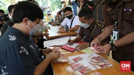 Jejak Hukuman PPKM: Denda Seleb Tiktok hingga Dua TNI Dicopot