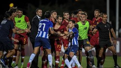 Roma Berimbang dengan Porto, Mkhitaryan-Pepe Nyaris Berantem