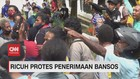 VIDEO: Ricuh Protes Penerimaan Bansos