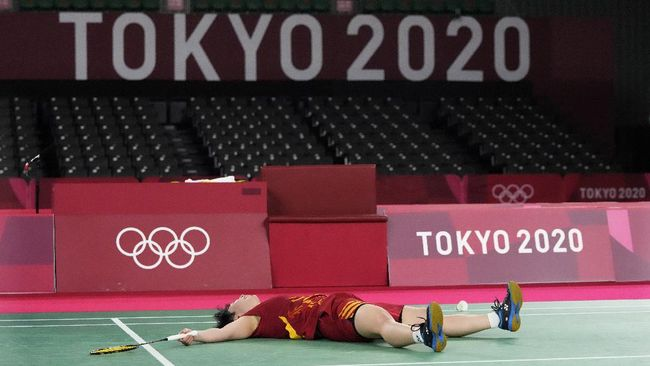 Tim Badminton Jepang yang dipenuhi banyak bintang gagal meraih medali emas di Olimpiade Tokyo 2020.
