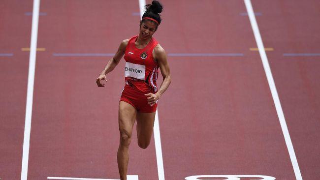 Sprinter Indonesia Alvin Tehupeiory gagal melaju ke semifinal nomor 100 meter putri setelah finis terakhir pada heat 2 babak pertama Olimpiade Tokyo 2020.