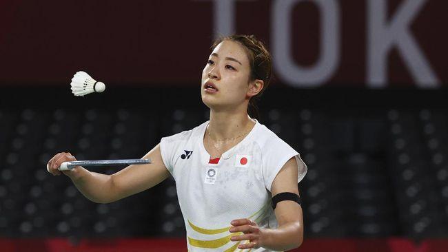 Kejutan kembali terjadi di badminton Olimpiade Tokyo 2020 setelah juara All England 2021, Nozomi Okuhara tersingkir di babak perempat final.