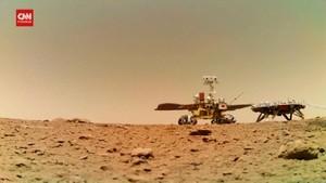 VIDEO: Penjelajah Zhurong Mulai Lintasi Area Bebatuan di Mars