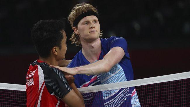 Anthony Sinisuka Ginting mengaku harus mengubah taktik untuk mengalahkan Anders Antonsen dan lolos ke semifinal Olimpiade Tokyo 2020.