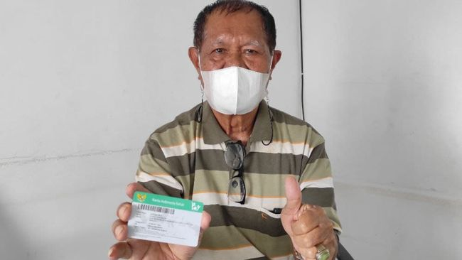 Pensiunan PNS asal Sulawesi Tengah ini mengaku pelayanan kesehatan dengan JKN-KIS sangat baik dan ditangani tim ahli hingga ia sembuh.