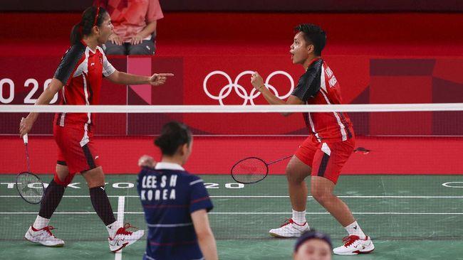Ganda putri Indonesia Greysia Polii/Apriyani Rahayu lolos ke final Olimpiade Tokyo 2020 setelah mengalahkan Lee So Hee/Shin Seung Chan.