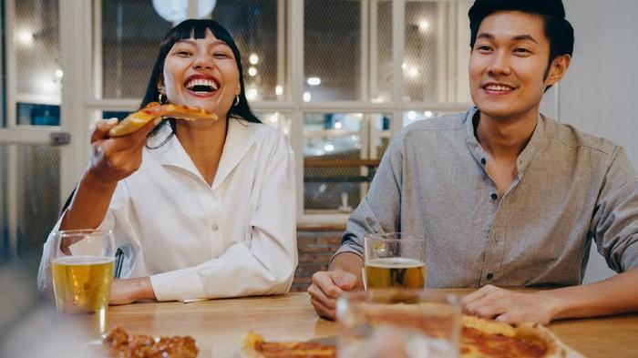 Kiat Aman Dine-In atau Makan di Restoran Selama Masa PPKM