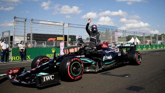 Pembalap Mercedes Lewis Hamilton meraih kemenangan pada Formula 1 (F1) Grand Prix Rusia di Sirkuit Sochi, Minggu (26/9).
