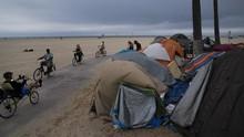 FOTO: Mereka yang Kehilangan Rumah di Sudut-sudut LA