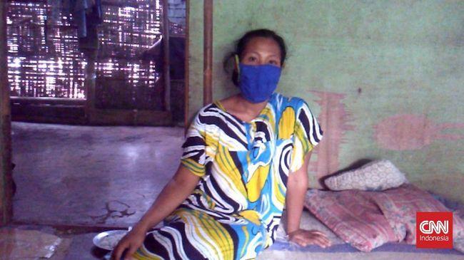 Karmila (32), warga Kecamatan Simomulyo, Lampung Selatan, kesulitan mencari rumah sakit yang mau melayani persalinan setelah ia dinyatakan reaktif covid-19.