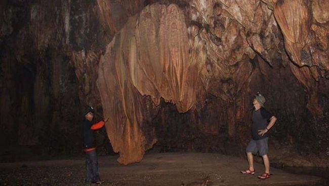 Kabupaten Aceh Tamiang memiliki gua karst atau batu kapur gamping terpanjang di Pulau Sumatra.