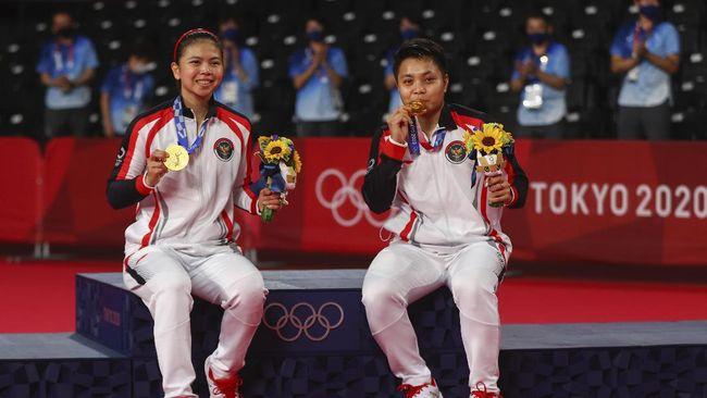 Atlet-atlet Indonesia yang meraih medali di Olimpiade Tokyo 2020 akan menerima total bonus Rp15 miliar dari Pemerintah.