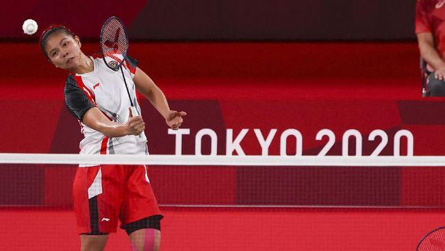 Momen Greysia Polii ganti raket di tengah pertandingan final ganda putri Olimpiade Tokyo masih ramai dibicarakan netizen.