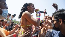 FOTO: Lautan Manusia di Konser Lollapalooza selama Pandemi