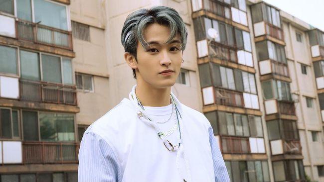 Para penggemar merayakan ulang tahun ke-23 (perhitungan Korea) rapper sekaligus musisi, Mark NCT, melalui media sosial.