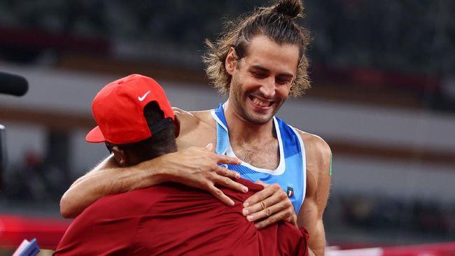 Mutaz Barshim dan Gianmarco Tamberi sepakat membagi dua emas lompat tinggi Olimpiade Tokyo. Berikut kronologi momen bersejarah tersebut.