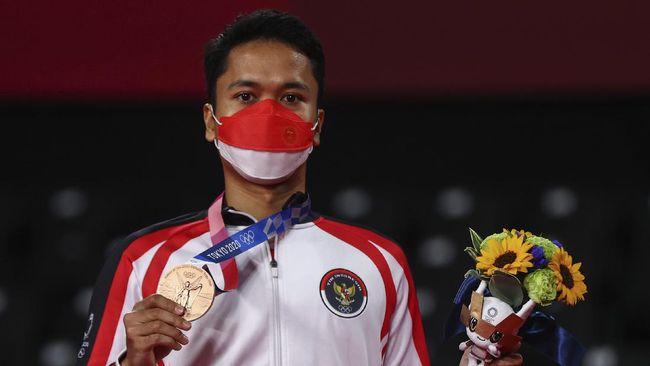 Anthony Sinisuka Ginting optimistis bisa menjaga momentum medali perunggu Olimpiade Tokyo 2020 saat tampil di Piala Sudirman 2021.