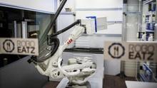 FOTO: Robot Dapur, Masa Depan Makanan Cepat Saji